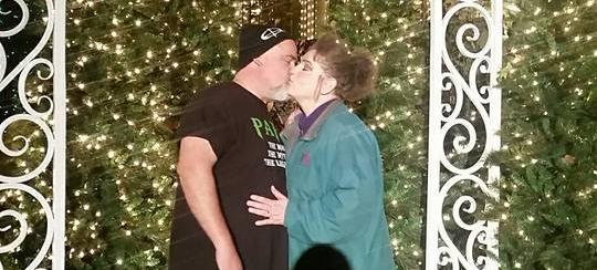 Laura & me SDC kiss
